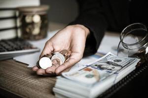 Silbermünzen und Banknoten foto
