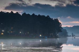 Campingplatz in der Nacht foto