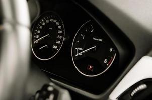 Autogeschwindigkeits-Armaturenbrett