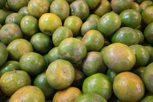 Gruppe von natürlichen Orangen