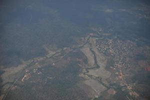 Luftaufnahme eines Dorfes foto