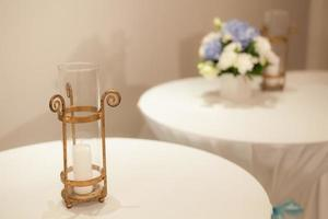 Kerze auf dem Tisch