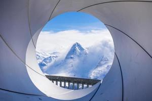 die nordwand des eigers vom schilthorn berg bei murren in der schweiz gesehen