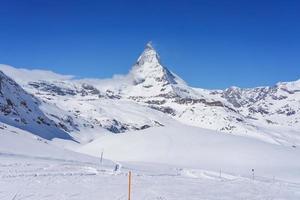 Blick auf Matterhorn an einem klaren sonnigen Tag, Zermatt, Schweiz