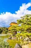 Kinkakuji-Tempel oder der goldene Pavillon in Kyoto, Japan