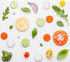 Lebensmittelmuster mit rohen Zutaten foto