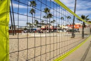 Beachvolleyballnetz am Strand von Venedig foto