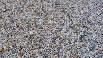 Kieselsteine auf dem Boden