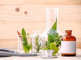alternative Gesundheitsartikel gegen Holz foto