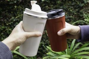 persönliche Thermoskanne mit Kaffee