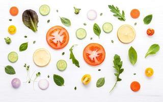Lebensmittelmuster mit frischen Zutaten foto