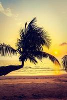schöner tropischer Strand in Thailand