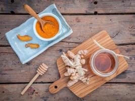 Curcuminpulver, Honig und Ingwer