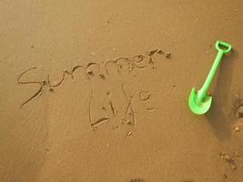 Sommerleben Nachricht im Sand am Strand