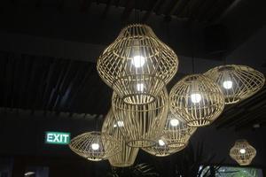 handgefertigter Korblampenschirm