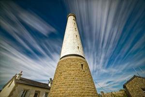 Leuchtturm mit niedrigem Winkel foto