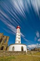 Langzeitbelichtungsleuchtturm in Pointe Saint Mathieu foto