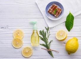 Honig und Zitrone für natürliche Hautpflegestoffe foto