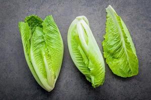 Salat auf Schiefer foto