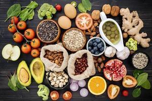 Gruppe von gesunden Lebensmitteln für eine Diät foto