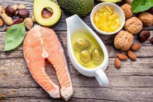 Lachs und Olivenöl foto
