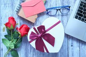 Draufsicht einer Herzform-Geschenkbox