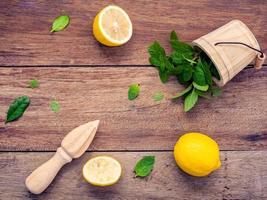 frische Zitrone und Minze foto