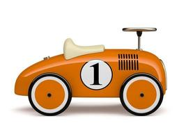 orange Retro-Spielzeugauto mit einer Nummer eins lokalisiert auf einem weißen Hintergrund foto