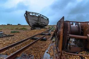altes Schiff auf Dungeness Marschland foto