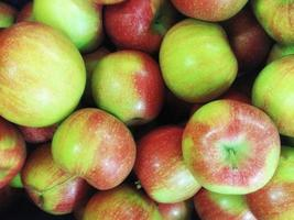 Haufen Äpfel foto