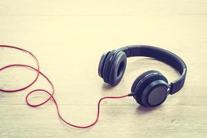 Kopfhörer auf weißem Hintergrund