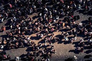 Tschechische Republik 2017 - Gruppe von Touristen am Altstädter Ring foto
