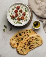 Draufsicht auf indische Lebensmittel