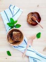 frischer Honig und Minze foto