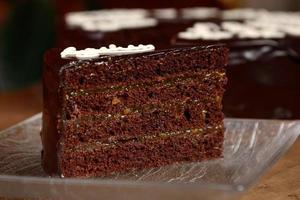 Stück Schokoladenkuchen foto