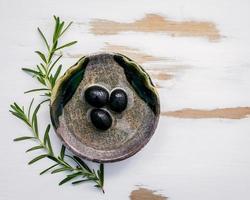 Nahaufnahme von Olivenöl foto
