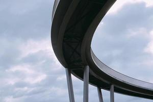 Brückenarchitektur in der Stadt Bilbao, Spanien foto