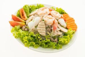 würziger Nudelsalat nach thailändischer Art