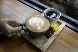 Latte Kaffee Kunst Tasse