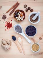 Draufsicht auf Samen für die Ernährung foto