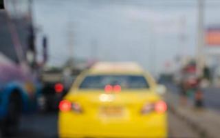Taxi auf der Straße unscharfen Hintergrund foto