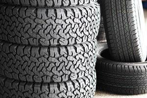 Nahaufnahme Reifen und Räder Hintergrund foto