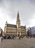 Brüssel, Belgien - 13. Juli 2014. Häuser des berühmten großen Ortes foto