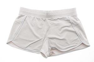Sport kurze Hosen auf weißem Hintergrund foto