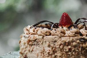 leckerer Schokoladen-Erdbeer-Kuchen foto