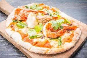 Tom Yum Pizza