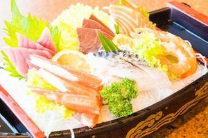 roher und frischer Sashimi