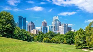 Midtown Atlanta Skyline aus dem Park foto