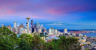 Seattle Skyline in der Dämmerung