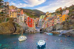 Riomaggiore, die erste Stadt der Cique Terre in Ligurien, Italien foto